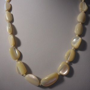 """Vintage Mother of Pearl Bead Necklace 20"""" L"""